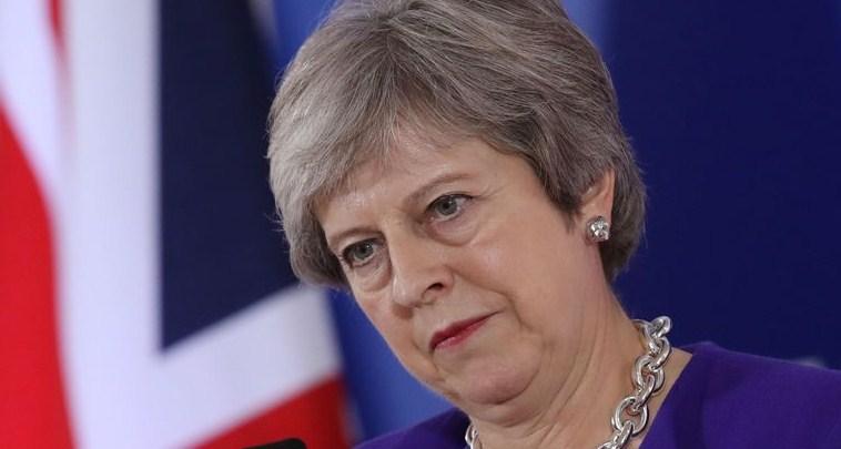 Krisis Brexit Mempertaruhkan Jabatan PM Theresa May