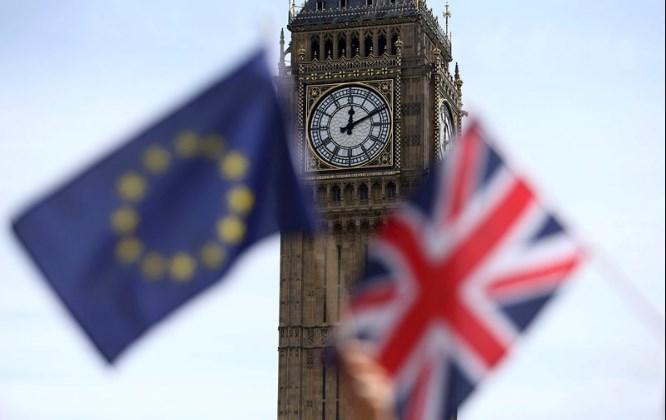 Poundsterling Kembali Terancam Akibat Ketidakpastian Politik dan Brexit
