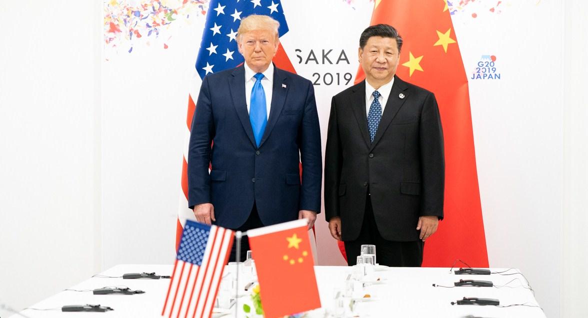 Dolar AS Jatuh, Investor Menanti Kesepakatan AS-China