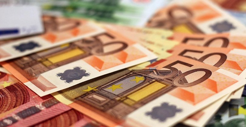 Euro Melemah Jelang Survei Data Jerman