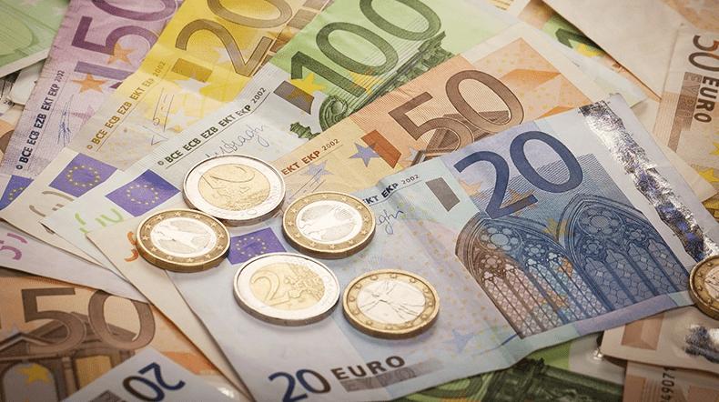 Euro Melemah Terhadap Dolar AS Ditengah Pembahasan Dana Stimulus
