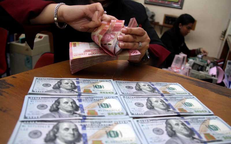Terbelalak! Rupiah Menang Telak Atas Dolar AS & Mata Uang Global